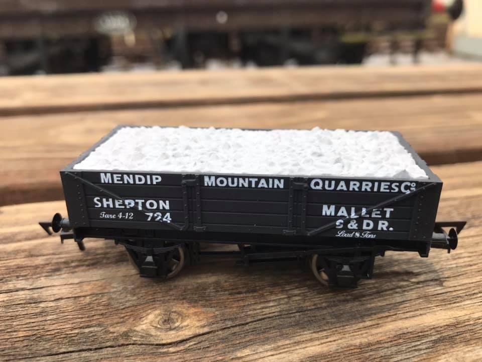 4-plank Mendip Mountain Quarries wagon in OO-gauge