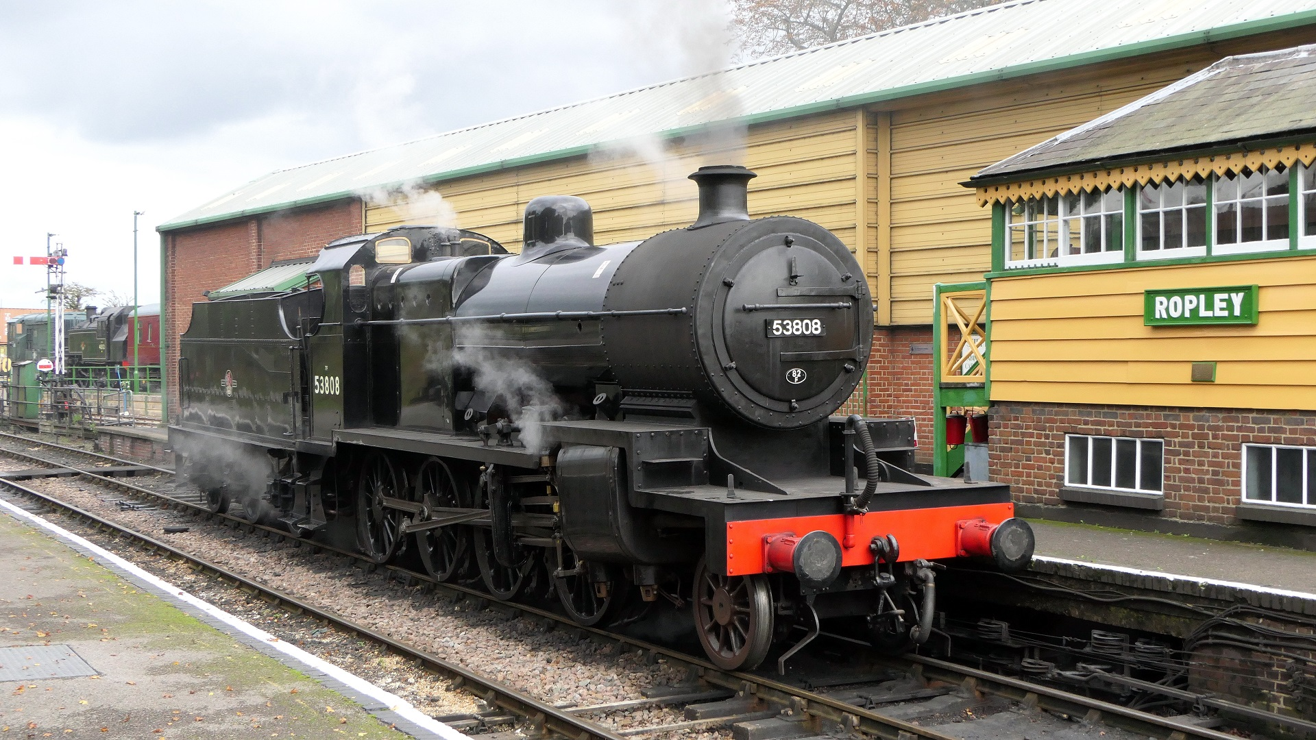 53808 beside the signalbox at Ropley on 13 October