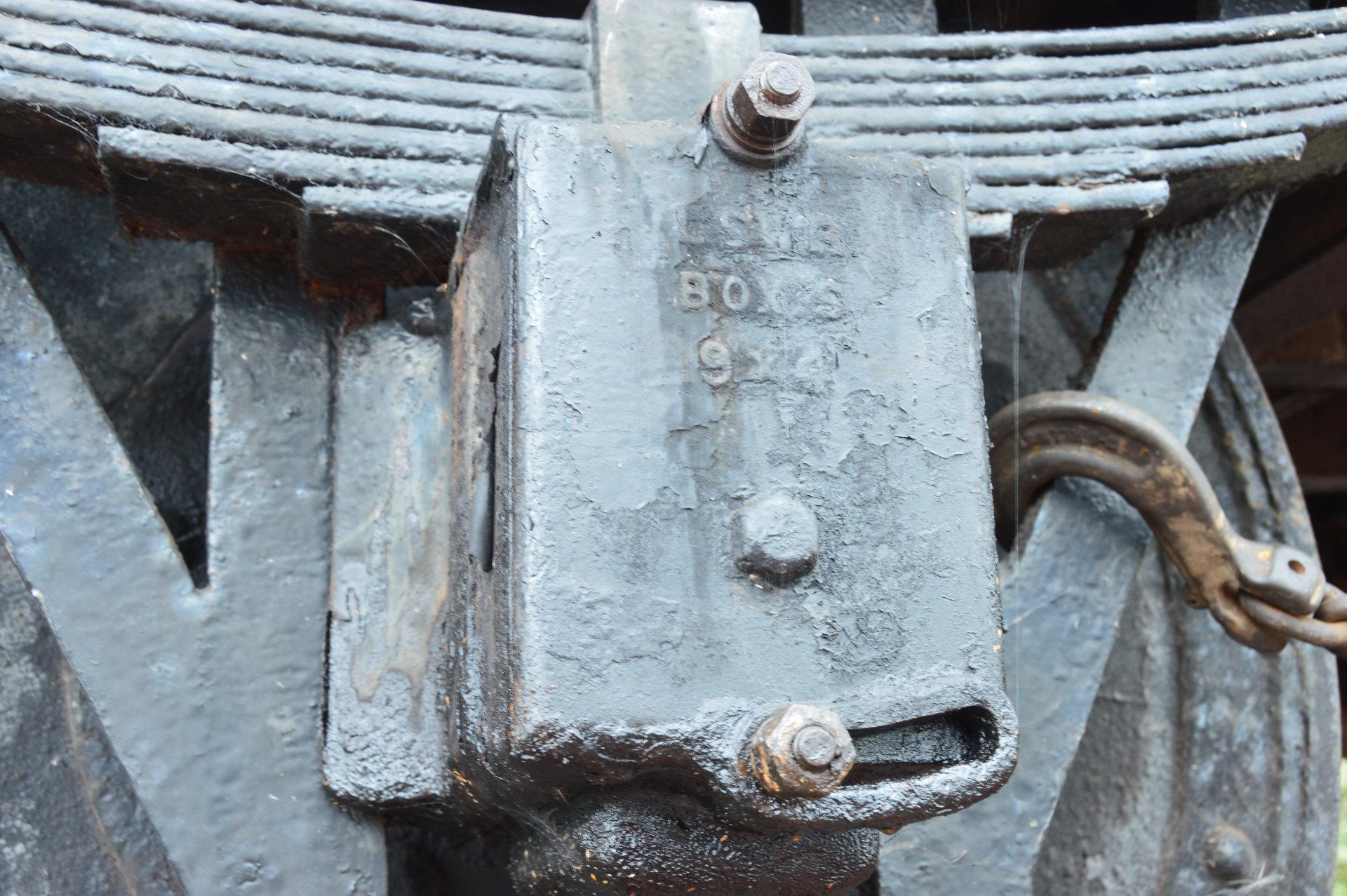 Axlebox detail on L&SWR van (SR 42XXX)
